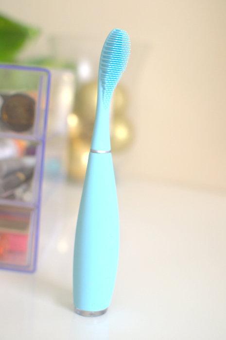 FOREO Issa toothbrush