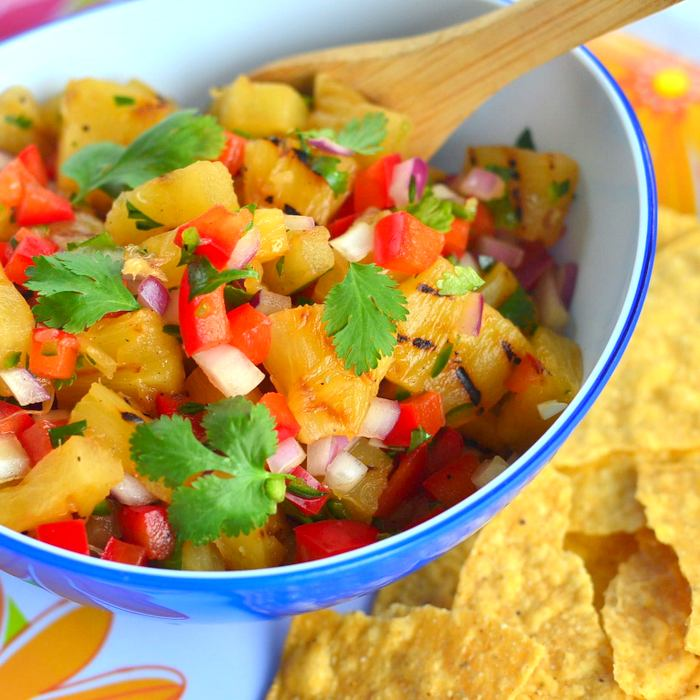 Pineapple salsa dish