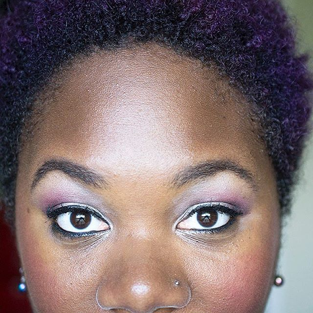 Oh hey. I put together this really pretty @maccosmetics palette and then did a blog post about it. Link in bio. And man, look...I know I don't have those Instagram-worthy brows but personally...I dig the bushy-not-sculpted-to-death brow look.